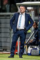 ROTTERDAM - Excelsior - PEC Zwolle , Voetbal , Eredivisie , Seizoen 2016/2017 , Stadion Woudestein , 21-10-2016 , PEC Zwolle trainer coach Ron Jans kijkt geconcentreerd toe tijdens de wedstrijd