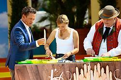 """14.06.2015, Europapark, Rust, GER, ARD TV Show, Immer wieder Sonntags, im Bild Stefanie Haertel und die Wildecker Herzbuben beim Spargelschaelen, Stefan Mross links, // during the ARD TV Show """"Immer wieder Sonntags"""" at the Europapark in Rust, Germany on 2015/06/14. EXPA Pictures © 2015, PhotoCredit: EXPA/ Eibner-Pressefoto/ Goermer<br /> <br /> *****ATTENTION - OUT of GER*****"""