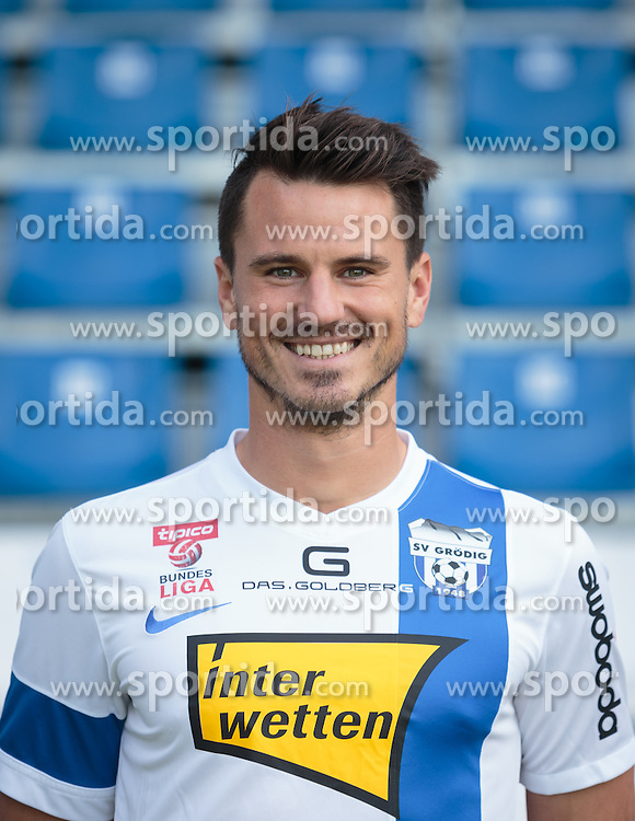 15.09.2015, Das Goldberg Stadion, Groedig, AUT, 1. FBL, Fototermin SV Groedig, im Bild Robert Strobl (SV Groedig) // during the official Team and Portrait Photoshoot of Austrian Football Bundesliga Team SV Groedig at the Das Goldberg Stadion, Groedig, Austria on 2015/09/15. EXPA Pictures © 2015, PhotoCredit: EXPA/ JFK
