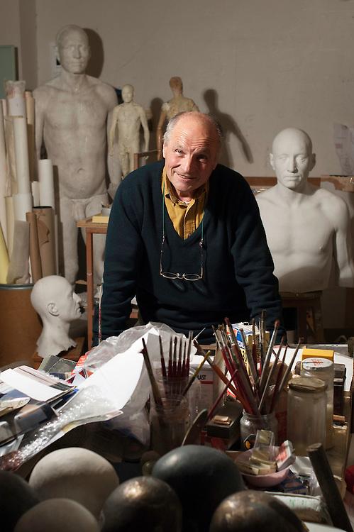Antonio Lopez, pintor y escultor.