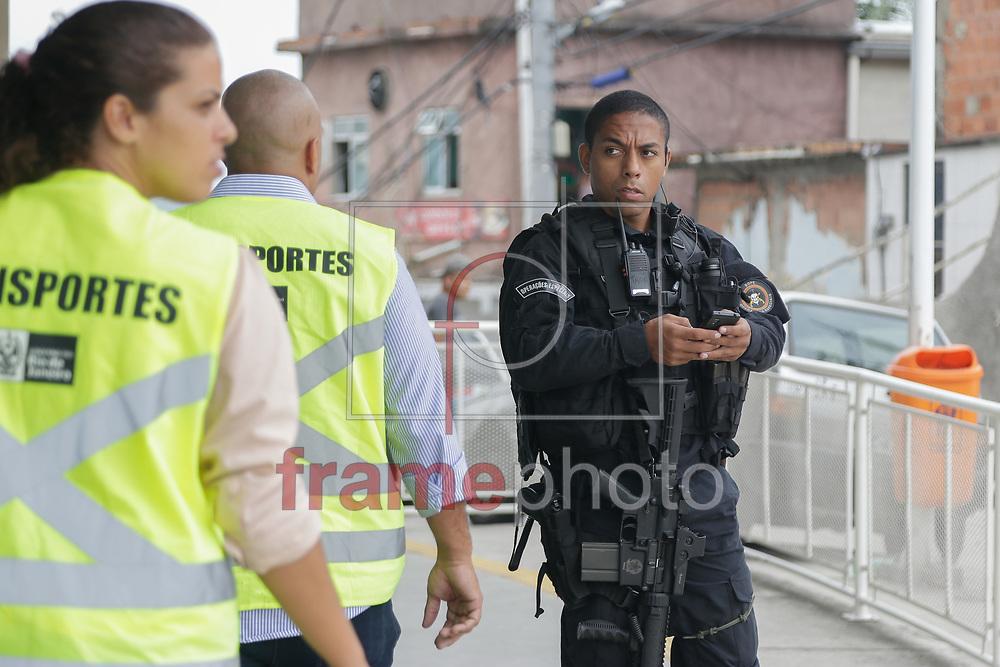 movimentação policial no morro do complexo do Alemão neste sábado (21/03). Foto: Rudy Trindade/Frame