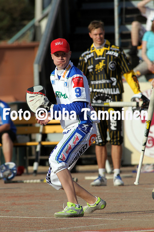21.05.2010, Kouvola..Superpesis 2010, Kouvolan Pallonly?j?t - Nurmon Jymy..Jani Viljanen - Nurmo.©Juha Tamminen.
