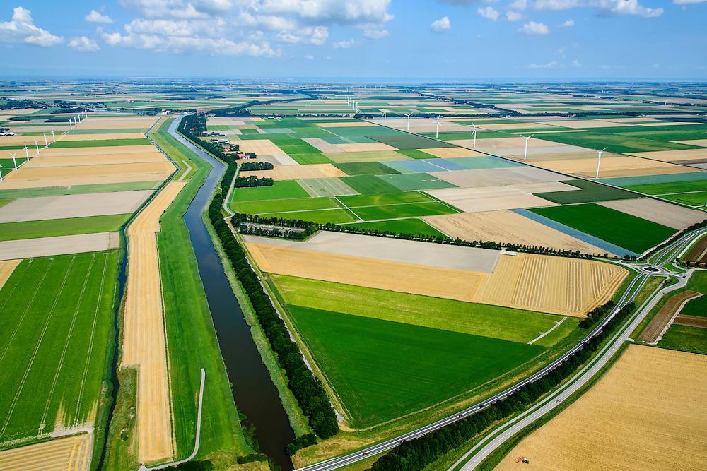 Nederland, Noord-Holland,  Gemeente Wieringermeer, 05-08-2014; overzicht zuidelijk deel  Wieringermeerpolder met Groetkanaal (ringvaart), <br /> Overviiew Wieringermeer polder.<br /> luchtfoto (toeslag op standard tarieven);<br /> aerial photo (additional fee required);<br /> copyright foto/photo Siebe Swart