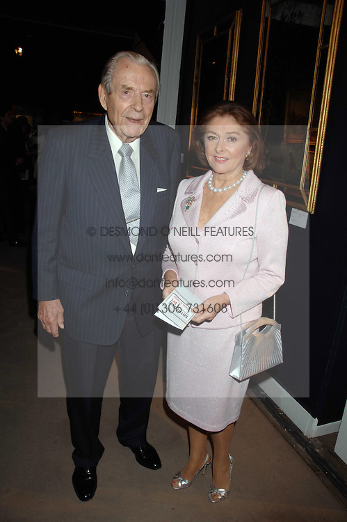 The EARL & COUNTESS OF DUDLEY at the Sotheby's Summer Party 2007 at their showrooms in New Bond Street, London on 4th June 2007.<br />