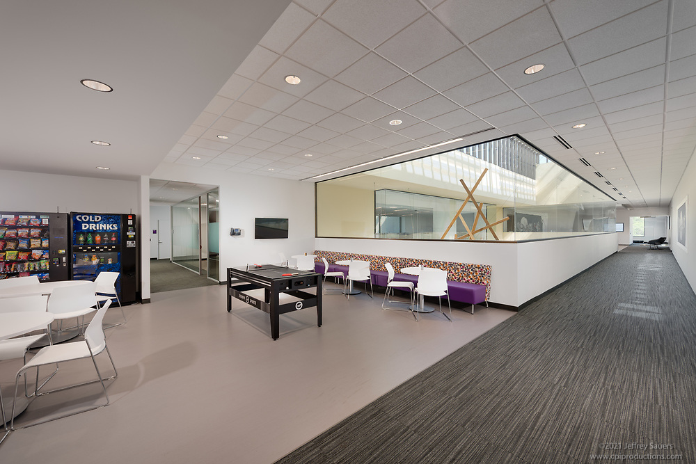 Interior Design image of NuVasive Corporate Offices in Columbia MD by Jeffrey Sauers of Commercial Photographics, Architectural Photo Artistry in Washington DC, Virginia to Florida and PA to New England