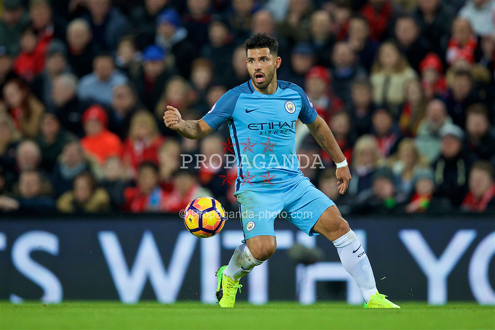 LIVERPOOL, ENGLAND - Saturday, December 31, 2016: Manchester City's Sergio Aguero in action against Liverpool during the FA Premier League match at Anfield. (Pic by David Rawcliffe/Propaganda)