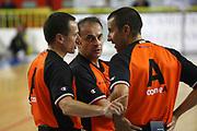 DESCRIZIONE : Cremona Lega A 2012-2013 Vanoli Cremona Sidigas Avellino<br /> GIOCATORE : Arbitri Referees<br /> SQUADRA : AIAP<br /> EVENTO : Campionato Lega A 2012-2013<br /> GARA : Vanoli Cremona Sidigas Avellino<br /> DATA : 21/10/2012<br /> CATEGORIA : Arbitri Referees<br /> SPORT : Pallacanestro<br /> AUTORE : Agenzia Ciamillo-Castoria/F.Zovadelli<br /> GALLERIA : Lega Basket A 2012-2013<br /> FOTONOTIZIA : Cremona Campionato Italiano Lega A 2012-2013 Vanoli Cremona Sidigas Avellino<br /> PREDEFINITA :