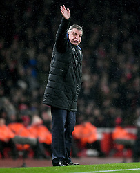Everton manager Sam Allardyce gestures on the touchline during the Premier League match at the Emirates Stadium, London.