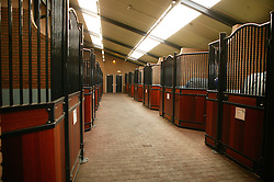 Bedrijfsreportage Stal Broere<br /> Alblasserdam 2004<br /> Photo © Hippo Foto