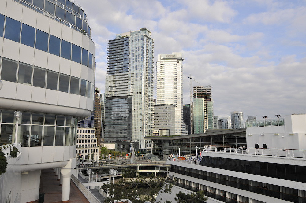 Pan Pacific Hotel, Canada Place, Designed by Eberhard Zeidler, Vancouver, British Columbia , Canada