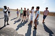 Het HPT is onderweg naar Battle Mountain. Onderweg passeren ze startplaats van de races. In september wil het Human Power Team Delft en Amsterdam, dat bestaat uit studenten van de TU Delft en de VU Amsterdam, een poging doen het wereldrecord snelfietsen te verbreken, dat nu op 133,8 km/h staat tijdens de World Human Powered Speed Challenge.<br /> <br /> With the special recumbent bike the Human Power Team Delft and Amsterdam, consisting of students of the TU Delft and the VU Amsterdam, also wants to set a new world record cycling in September at the World Human Powered Speed Challenge. The current speed record is 133,8 km/h.