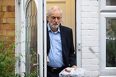 2019_10_07_Corbyn_Leaves_Home_TNI