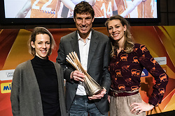 31-01-2019 NED: Kick-off World Championship  Volleybal 2022, Arnhem<br /> Presentation of the kick off World Championship Volleyball held in Netherlands an Poland / Debby Pilon-Stam, Bas van de Goor, Manon Nummerdor-Flier