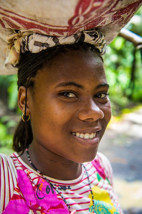 Frundliches Mädchen in Sao Tome