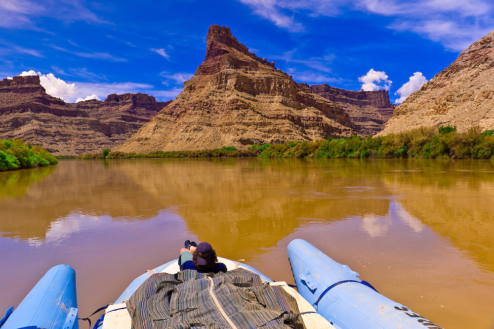 "Rafting into ""the Center of the Universe"" (where the three parts of Canyonlands National Park come together at the confluence of the Colorado and Green Rivers (this is where the Cataract Canyon begins), Utah, USA"