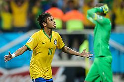 Neymar Jr. comemora gol do Brasil na estréia da Copa do Mundo 2014, na Arena Corinthians, em São Paulo. FOTO: Jefferson Bernardes/ Agência Preview
