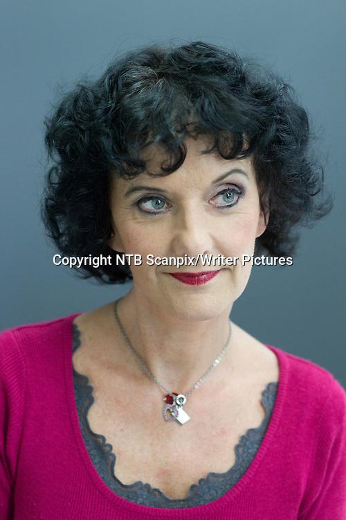 Oslo  20111021. Forfatter Unni Lindell er klar med sin femte bok om Nifse Nella, med illustrasjoner av Fredrik Skavlan. Denne gangen reiser det lille sp&macr;kelset til USA.<br /> Foto: Berit Roald / Scanpix<br /> <br /> NTB Scanpix/Writer Pictures<br /> <br /> WORLD RIGHTS, DIRECT SALES ONLY, NO AGENCY