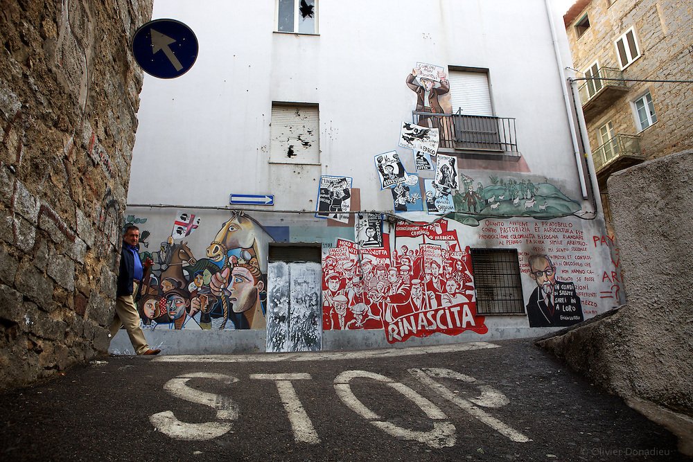 Wall Paint in Orgosolo, Sardinia..Peintures murales dans le village d'Orgosolo en Sardaigne.