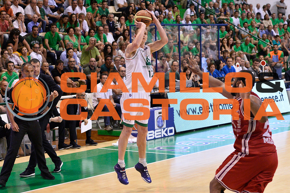 DESCRIZIONE : Campionato 2013/14 Finale GARA 4 Montepaschi Mens Sana Siena - Olimpia EA7 Emporio Armani Milano<br /> GIOCATORE : Spencer Nelson<br /> CATEGORIA : Tiro Tre Punti<br /> SQUADRA : Montepaschi Siena<br /> EVENTO : LegaBasket Serie A Beko Playoff 2013/2014<br /> GARA : Montepaschi Mens Sana Siena - Olimpia EA7 Emporio Armani Milano<br /> DATA : 21/06/2014<br /> SPORT : Pallacanestro <br /> AUTORE : Agenzia Ciamillo-Castoria / Claudio Atzori<br /> Galleria : LegaBasket Serie A Beko Playoff 2013/2014<br /> Fotonotizia : DESCRIZIONE : Campionato 2013/14 Finale GARA 4 Montepaschi Mens Sana Siena - Olimpia EA7 Emporio Armani Milano<br /> Predefinita :