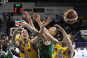 DESCRIZIONE : Porto San Giorgio Lega A 2013-14 Sutor Montegranaro Montepaschi Siena<br /> GIOCATORE : mani<br /> CATEGORIA : mani curiosita<br /> SQUADRA : Sutor Montegranaro Montepaschi Siena<br /> EVENTO : Campionato Lega A 2013-2014<br /> GARA : Sutor Montegranaro Montepaschi Siena<br /> DATA : 03/03/2014<br /> SPORT : Pallacanestro <br /> AUTORE : Agenzia Ciamillo-Castoria/C.De Massis<br /> Galleria : Lega Basket A 2013-2014  <br /> Fotonotizia : Porto San Giorgio Lega A 2013-14 Sutor Montegranaro Montepaschi Siena<br /> Predefinita :