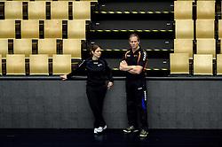 19-12-2015 DEN: World Championships Handball 2015 Training Oranje, Herning<br /> Na een rustige training werd er een persmoment gehouden / Debbie Klein, Bondscoach Henk Groener