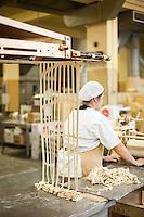 É a fábrica de biscoitos mais antiga de Valongo ainda em laboração, tendo cumprido 140 anos de existência em 2014. Na sequência do aniversário, a Fábrica de Biscoitos Paupério, atualmente gerida por administradores da quinta e sexta geração da família fundadora, decidiu editar  um livro que conta todas as suas histórias, ora íntimas e familiares, ora curiosas e comoventes e, ao mesmo tempo, testemunhos de como uma empresa tradicional atravessou um tempo de grandes mudanças, mantendo o fabrico artesanal.