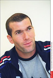 © Greg Soussan/ABACA. 41164-8. Paris-France, 05/2002. Zinedine Zidane.  Zidane Zinedine Seule Seul Seuls Seules Alone France Frankreich Ile-de-France Paris Headshot Portraits Portrait Headshots Head Shot Head Shots Vertical Vertical  | 41164_08