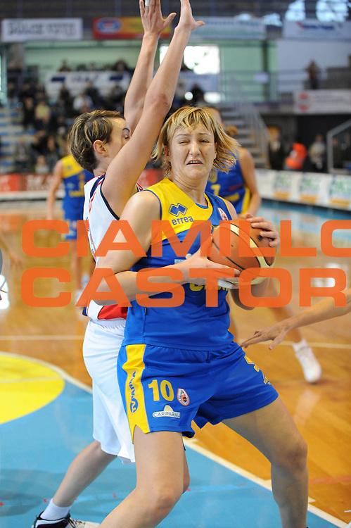 DESCRIZIONE : Faenza Lega A1 Femminile 2008-09 Coppa Italia Semifinale Cras Basket Taranto Lavezzini Parma <br /> GIOCATORE : Daliborka Vilipic<br /> SQUADRA : Lavezzini Parma<br /> EVENTO : Campionato Lega A1 Femminile 2008-2009 <br /> GARA : Cras Basket Taranto Lavezzini Parma<br /> DATA : 07/03/2009 <br /> CATEGORIA : penetrazione<br /> SPORT : Pallacanestro <br /> AUTORE : Agenzia Ciamillo-Castoria/M.Marchi<br /> Galleria : Lega Basket Femminile 2008-2009 <br /> Fotonotizia : Faenza Campionato Italiano Femminile Lega A1 2008-2009 Coppa Italia Semifinale Cras Basket Taranto Lavezzini Parma<br /> Predefinita :