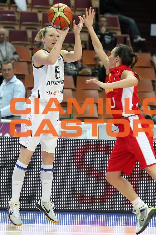 DESCRIZIONE : Katowice Poland Polonia Eurobasket Women 2011 Round 1 Germany Montenegro Germania Montenegro<br /> GIOCATORE : Dorothea Richter<br /> SQUADRA : Germania Germany<br /> EVENTO : Eurobasket Women 2011 Campionati Europei Donne 2011<br /> GARA : Germany Montenegro Germania Montenegro<br /> DATA : 20/06/2011<br /> CATEGORIA : coach<br /> SPORT : Pallacanestro <br /> AUTORE : Agenzia Ciamillo-Castoria/E.Castoria<br /> Galleria : Eurobasket Women 2011<br /> Fotonotizia : Katowice Poland Polonia Eurobasket Women 2011 Round 1 Germany Montenegro Germania Montenegro<br /> Predefinita :