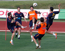 10.06.2010, Sportanlage, Potchefstroom, RSA, FIFA WM 2010, Training Spanien im Bild Spain's Juan Mata, Xabi Alonso, Joan Capdevila and Sergio Busquets, EXPA Pictures © 2010, PhotoCredit: EXPA/ Alterphotos/ Acero / SPORTIDA PHOTO AGENCY