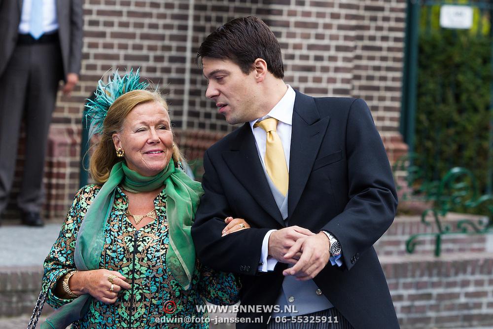 NLD/Apeldoorn/20130105 - Huwelijk prins Jaime en prinses Viktoria Cservenyak, prinses Christina en zoon Bernardo Guillermo