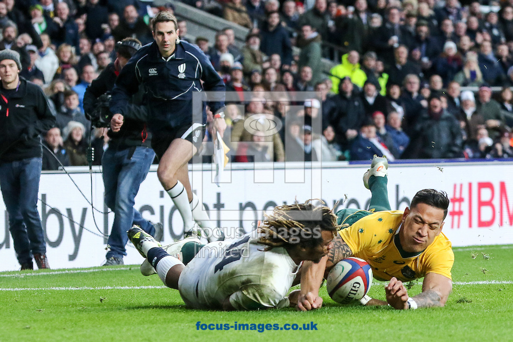 Marland Yarde of England scores a try during the Old Mutual Wealth Internationals match at Twickenham Stadium, Twickenham<br /> Picture by Mark Chappell/Focus Images Ltd +44 77927 63340<br /> 03/12/2016