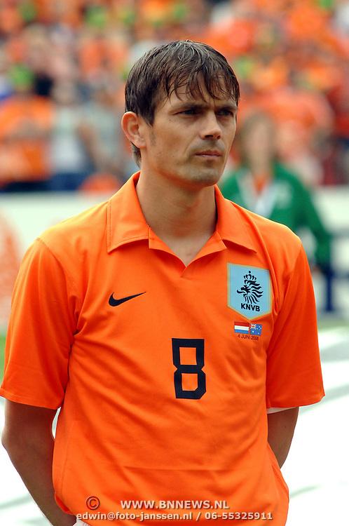 NLD/Rotterdam/20060604 - Vriendschappelijke wedstrijd Nederland - Australie, Philip Cocu (8)