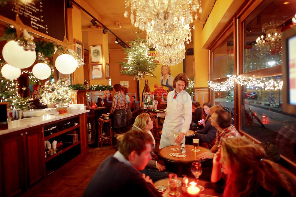Cafe van Zanten op De Meent in Rotterdam.