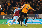 Pablo Fornals crosses the ball during the Premier League match between Wolverhampton Wanderers and West Ham United at Molineux, Wolverhampton, England on 4 December 2019.