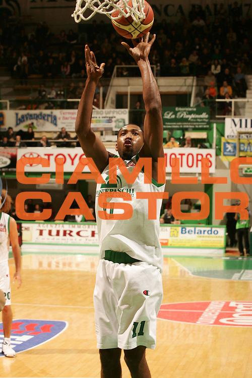 DESCRIZIONE : Siena Lega A1 2007-08 Montepaschi Siena Snaidero Udine <br /> GIOCATORE : Bootsy Thornton <br /> SQUADRA : Montepaschi Siena <br /> EVENTO : Campionato Lega A1 2007-2008 <br /> GARA : Montepaschi Siena Snaidero Udine <br /> DATA : 06/01/2008 <br /> CATEGORIA : Tiro <br /> SPORT : Pallacanestro <br /> AUTORE : Agenzia Ciamillo-Castoria/P.Lazzeroni
