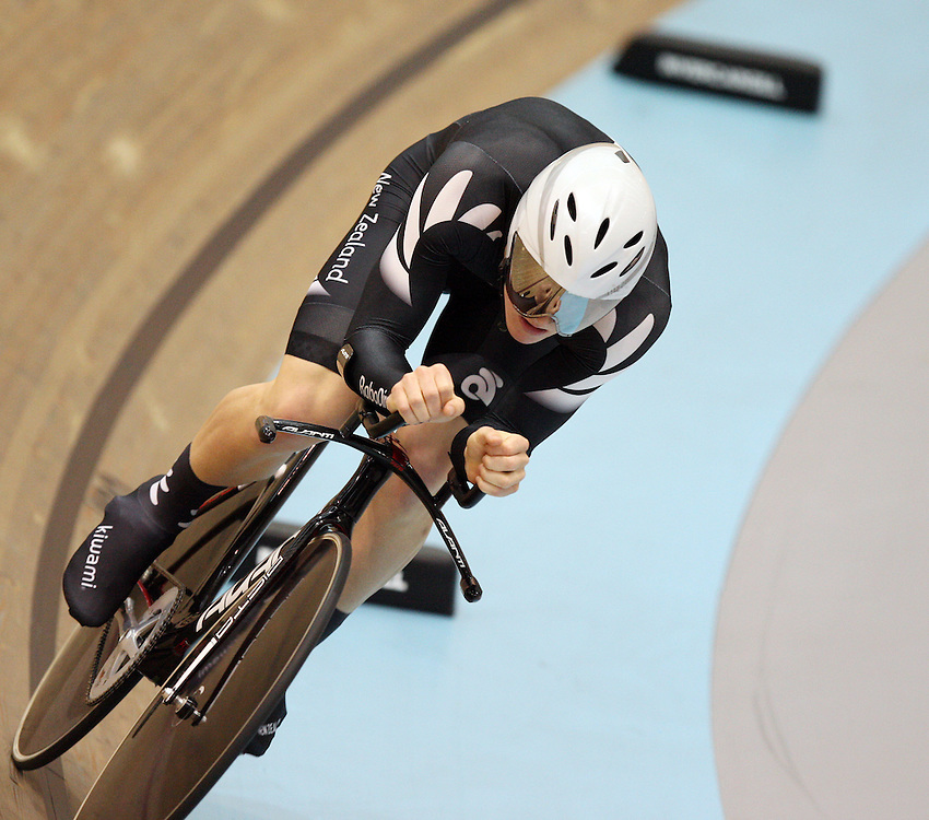 New Zealands' Dylan Kennett in the men individual pursuit qualifying at the UCI Juniors World Track Cycling Championships, Invercargill Velodrome, Invercargill, New Zealand, Saturday, August 25, 2012. Credit:SNPA / Dianne Manson