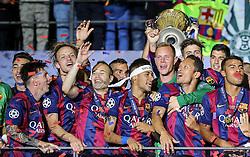 06.06.2015, Olympia Stadion, Berlin, GER, UEFA CL, Juventus Turin vs FC Barcelona, Finale, im Bild Lionel Messi (FC Barcelona #10), Ivan Rakitic (FC Barcelona #4), Andres Iniesta (FC Barcelona #8), Neymar (FC Barcelona #11), Torwart Marc-Andre ter Stegen (FC Barcelona #1), Adriano (FC Barcelona #21), Rafinha (FC Barcelona #12) feiert mit dem Pokal nach dem Gewinn des Spiels nach dem Gewinn // Lionel Messi (FC Barcelona #10), Ivan Rakitic (FC Barcelona #4), Andres Iniesta (FC Barcelona #8), Neymar (FC Barcelona #11), Torwart Marc-Andre ter Stegen (FC Barcelona #1), Adriano (FC Barcelona #21), Rafinha (FC Barcelona #12) celebrating with the trophy after winning the title during the UEFA Champions League final match between Juventus FC and Barcelona FC at the Olympia Stadion in Berlin, Germany on 2015/06/06. EXPA Pictures &copy; 2015, PhotoCredit: EXPA/ Eibner-Pressefoto/ Sch&uuml;ler<br /> <br /> *****ATTENTION - OUT of GER*****