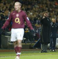 Photo: Aidan Ellis.<br /> Bolton Wanderers v Arsenal. The Barclays Premiership.<br /> 03/12/2005.<br /> Bolton's Sam Allardyce gives ou intstructions