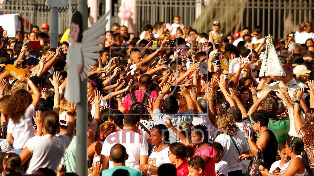 Círio das Crianças - Vestidas de anjinhos, milhares de crianças prestaram homenagens à Nossa Senhora de Nazaré neste domingo (19), no Círio das Crianças, uma das 12 romarias oficiais do Círio