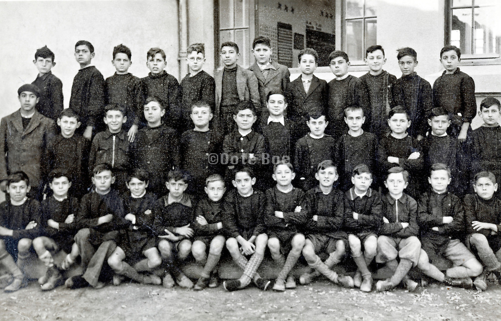 all boys elementary school group France 1939
