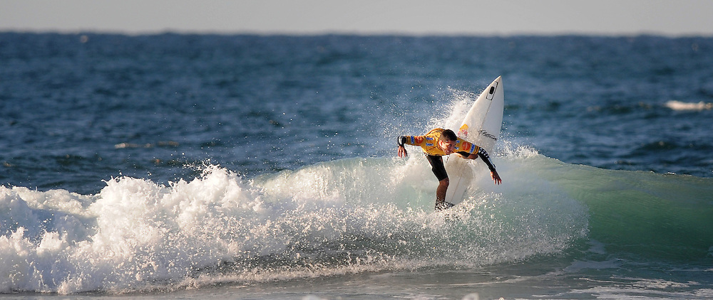 Brazilian surfer Adriano de Souza, Mineirinho, takes part in the Billabong Pro Mundaka 2009, in the northern Spanish Basque village of Sopelana, on October 13, 2009. Photo Rafa Rivas