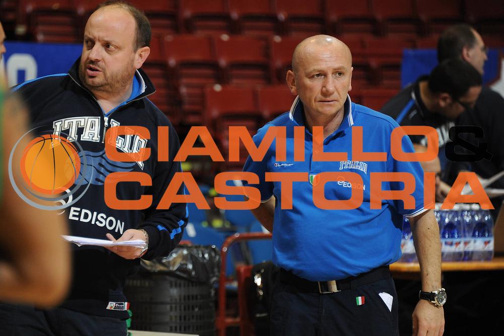 DESCRIZIONE : Milano Agos Ducato All Star Game 2011 Allenamenti<br /> GIOCATORE : Andrea Capobianco Luca Dalmonte<br /> SQUADRA : Italia Nazionale Maschile<br /> EVENTO : All Star Game 2011<br /> GARA : Italia All Star Team<br /> DATA : 12/03/2011<br /> CATEGORIA : allenamento<br /> SPORT : Pallacanestro<br /> AUTORE : Agenzia Ciamillo-Castoria/GiulioCiamillo<br /> Galleria : FIP Nazionali 2011<br /> Fotonotizia :  Milano Agos Ducato All Star Game 2011 Allenamento<br /> Predefinita :