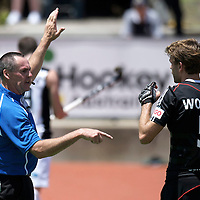 MELBOURNE - Champions Trophy men 2012<br /> Germany v New Zealand<br /> foto: Umpire David Gentle with Florian Woesch.<br /> FFU PRESS AGENCY COPYRIGHT FRANK UIJLENBROEK