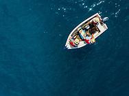Portugal, Ilha da Madeira, Ponta do Sol, 17/05/18:Pescadores numa embarca&ccedil;&atilde;o tradicional ao largo da vila da Ponta do Sol.<br /> Foto: Greg&oacute;rio Cunha