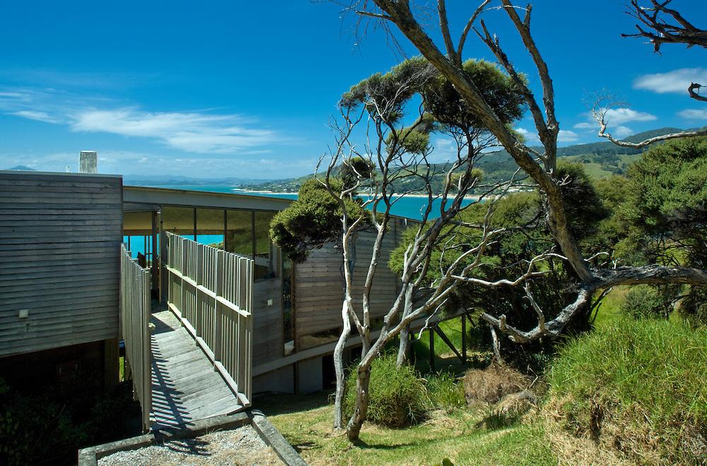 Wishart House in Hokinaga, New Zealand, Designed by Rewi Thompson.