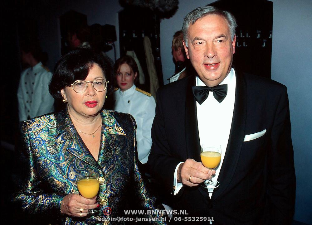 5 Jarig bestaan World Fantasy Dinner Show Hilversum, Ernst Nordholt en vrouw
