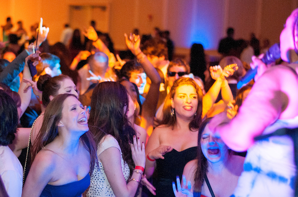5/11/2014 – Medford/Somerville, MA, 02155 – Seniors and band members dance to live music during Senior Gala on May 11, 2014. Senior pub night was canceled last year and again, seniors will be having Oktoberfest to replace it.(Archive Nicholas Pfosi / The Tufts Daily)