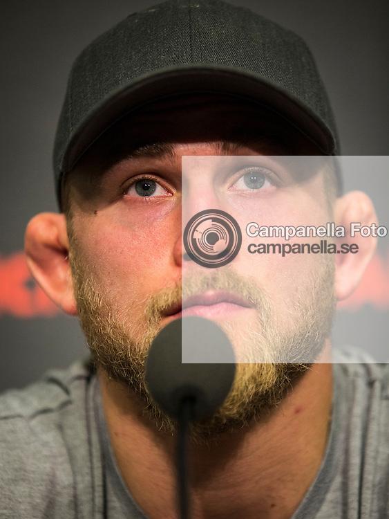 Stockholm 2014-11-25: <br /> <br /> UFC fighter Alexander Gustafsson participates in a press conference at the Tele2 Arena in Stockholm, Sweden. <br /> <br /> (Photo: Michael Campanella / Zuffa LLC via Getty)