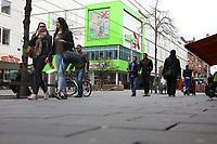 Mannheim. 20.03.17 | BILD- ID 054 |<br /> Innenstadt. K1. M&ouml;max. Schliessung der Filiale am Neckartor in der Breiten Stra&szlig;e steht bevor.<br /> <br /> Bild: Markus Prosswitz 20MAR17 / masterpress (Bild ist honorarpflichtig - No Model Release!)